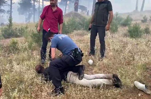 Pozantı'da ormanı yakan şahıs suçüstü yakalandı
