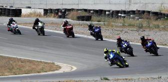 Pınar Altuğ: Motor sporlarında Türkiye Pist Şampiyonası 1. ayak yarışları, İzmir'de yapıldı