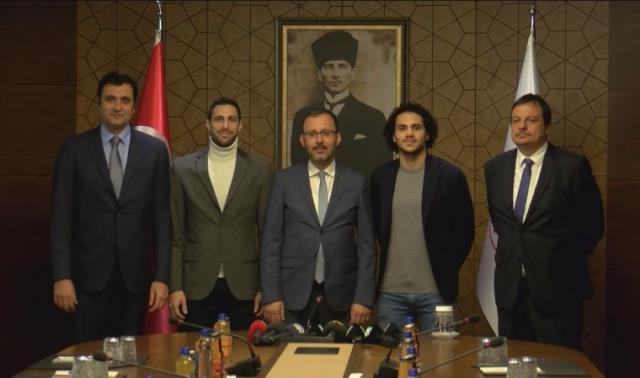 Spor Bakanı Kasapoğlu'ndan müjde: Efes-Barcelona finali şifresiz kanalda olacak