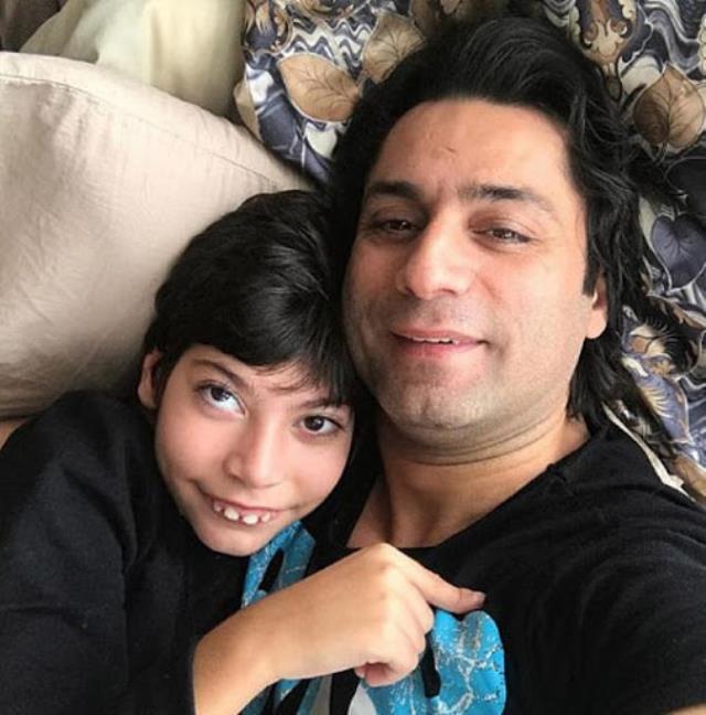 Çılgın Sedat, rehabilitasyon merkezinde engelli çocuğuna yapılanları ilk kez anlattı: Kafasına vura vura terapi yaptılar