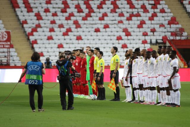 Hazırlık maçı: Türkiye: 0 - Gine: 0 (İlk yarı)