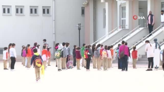 İlkokul ve ana sınıfları kapılarını öğrenciler için açtı