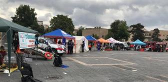 Ulusal Medikal Kurtarma Ekibi: Kayseri'de AFAD ekipleri açtıkları stantta vatandaşları bilgilendiriyor