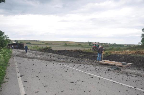 Evin depo duvarına çarpan TIR'ın sürücüsü öldü