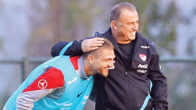 Fenerbahçe'den ayrılması beklenen Caner Erkin ve Fatih Terim arasında sürpriz görüşme