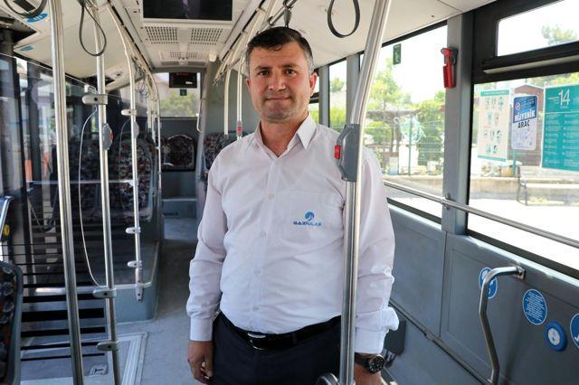 Otobüs şoförü böyle hayat kurtardı...Otobüste ağrıdan nefesi kesilen kadının imdadına otobüs şoförü yetişti