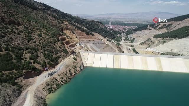 500 günde tamamlanan 105 metre yüksekliğinde baraj ekonomiye yıllık 40 milyon TL'lik ek gelir sağlayacak