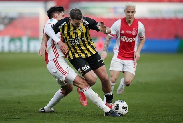 Fenerbahçe'den sürpriz transfer atağı! Fas asıllı Hollandalı futbolcu Oussama Tannane İstanbul'a geliyor