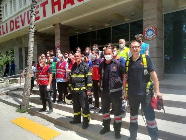 Son dakika haber... Sandıklı Belediyesi itfaiyesinden hastanede yangın tatbikatı