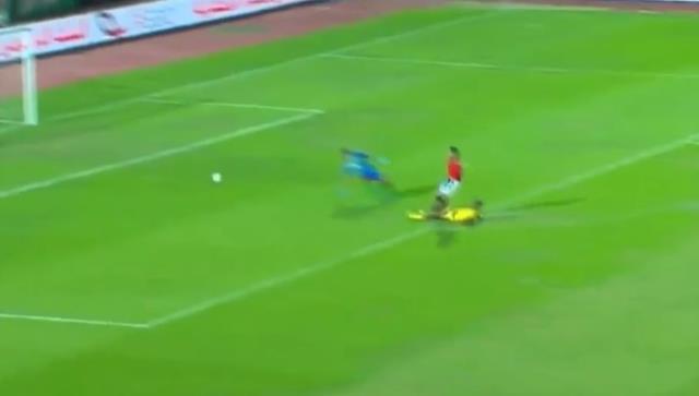 Mostafa Mohamed, Mısır Milli Takımı formasıyla attığı 2 golle maça damga vurdu