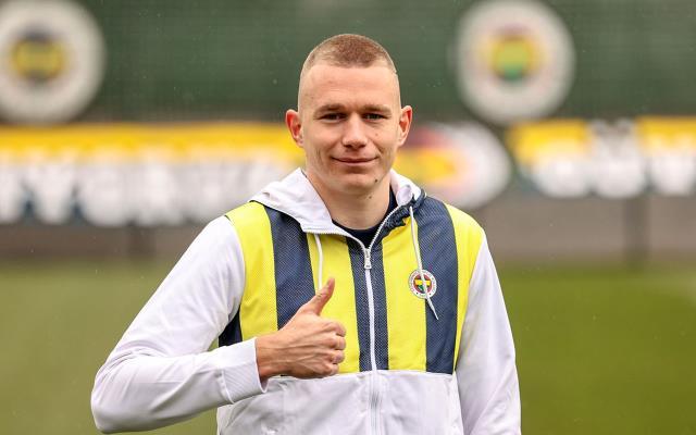 Çağlar'ın takımı Leicester, Szalai için Fenerbahçe'ye 13 milyon euroluk resmi teklif yaptı