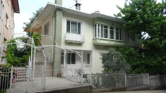 İran'ın eski lideri Humeyni'nin sürgün yıllarında Bursa'da kaldığı ev 20 milyona satışa çıktı