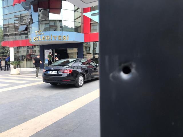 Yomra Belediye Başkanı Bıyık'a silahlı saldırının zanlısına gözaltı
