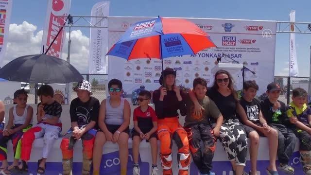AFYONKARAHİSAR - Motokros şampiyonalarının açılış seremonisi yapıldı