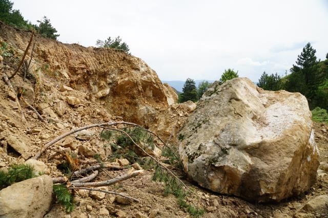 Deprem olacak yalanıyla kaçak kazı yaparken suçüstü yakalandılar