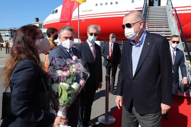 NATO zirvesi için Brüksel'e giden Cumhurbaşkanı Erdoğan ilk olarak Macaristan Başbakanı Orban ile görüştü