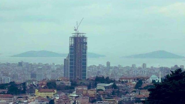 Aynı açıdan çekilmiş iki İstanbul fotoğrafı, yıllar içinde yaşanan değişimi gözler önüne serdi