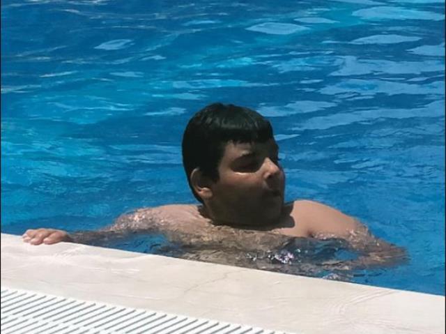 Havuzda boğulan 10 yaşındaki Deniz, gözyaşlarıyla toprağa verildi