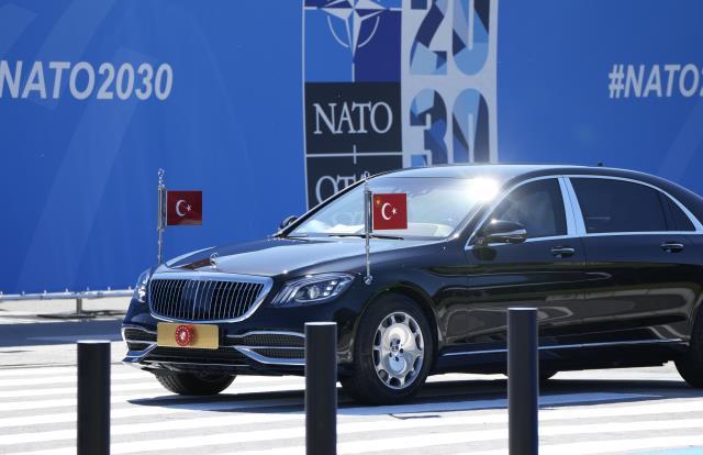 Merakla beklenen zirve başlıyor! Cumhurbaşkanı Erdoğan NATO Karargahı'nda