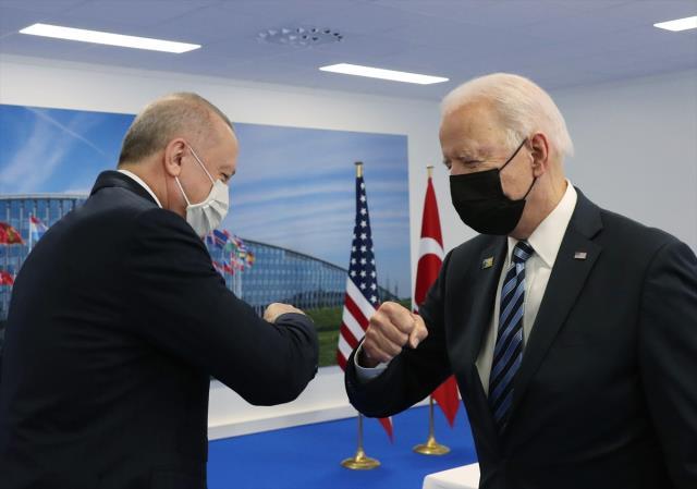 Son Dakika: Cumhurbaşkanı Erdoğan ile Biden'ın görüşmesi başladı