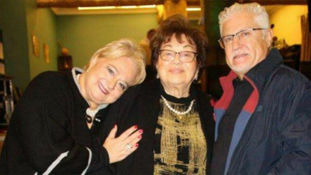 Halk müziğinin efsanesi Yıldız Ayhan hayatını kaybetti