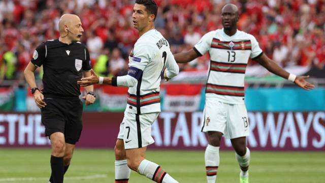 Ronaldo'ya 10 dakika yetti! Cüneyt Çakır'ın verdiği penaltıda golü atan star futbolcu tarihe geçti
