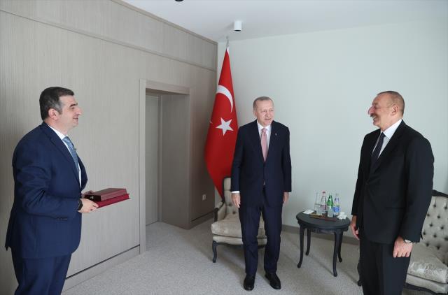 Son Dakika: Cumhurbaşkanı Erdoğan ile Azerbaycan lideri Aliyev, iki ülke arasında Şuşa Beyannamesi'ni imzaladı