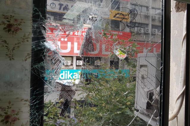 Saldırıya uğrayan HDP binasından ilk kareler! Deniz Poyraz'ın kahvaltı tabağı masada
