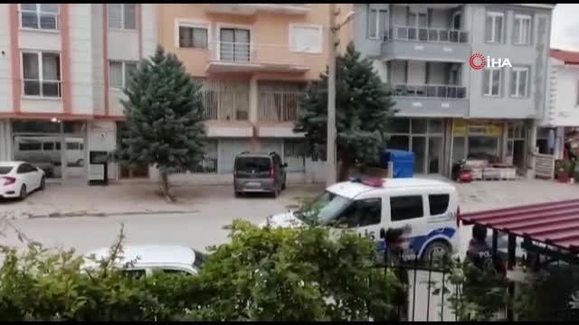 Son dakika haberi! Polisten görülmemiş operasyon: Ayağı ipe dolanan yavru kargayı polis kurtardı
