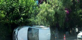 Turgut Reis: Virajı alamayan otomobil yan yattı