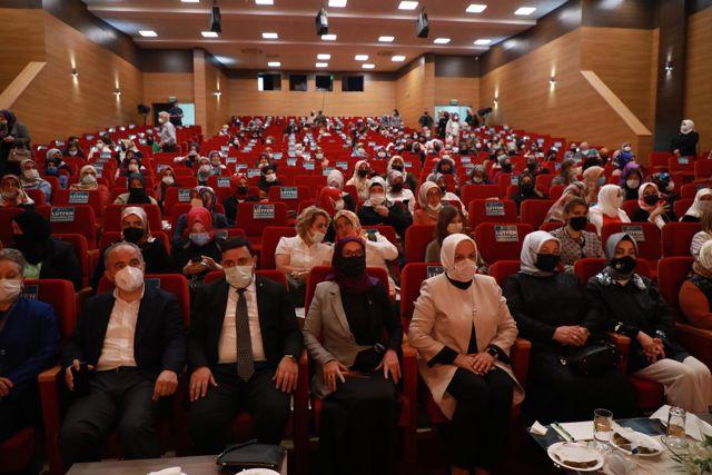 AK Parti Genel Merkez Kadın Kolları Başkanı Keşir, Rize'de kadınlarla bir araya geldi