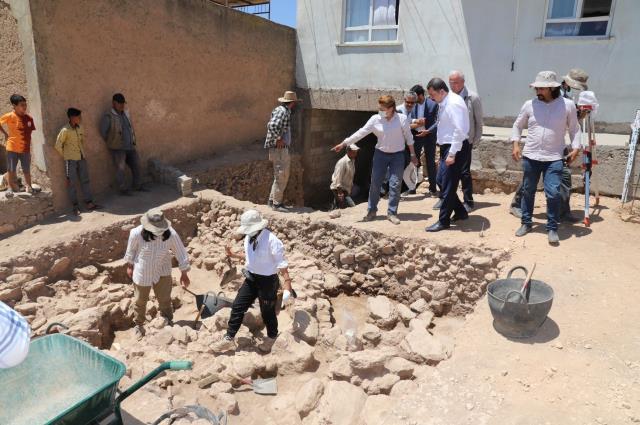 Arkeologlar Şanlıurfa'da jet hızıyla kazmayı vurmaya başladı! Meğerse yıllarca servetin üzerinde oturmuşlar