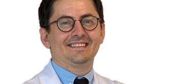 Kan Şekeri: Uzmanından uyarı: Gençlerdeki el titremesi Parkinson'la karıştırılmamalı