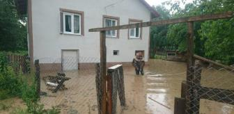 Pazarköy: He carried his disabled neighbor on his back out of the flooded house