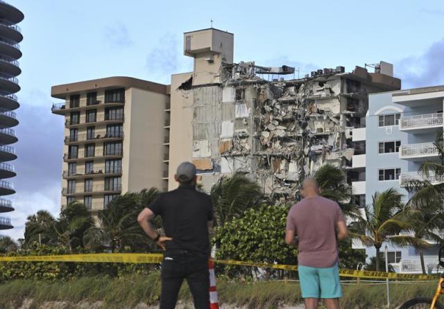 ABD'de çöken 12 katlı binada yaklaşık 100 kişiden haber alınamıyor