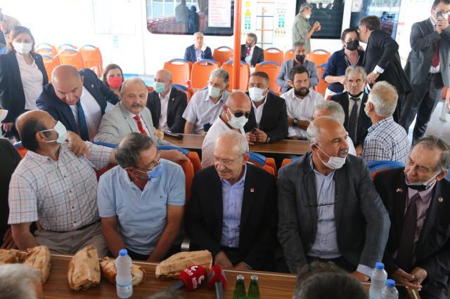 Kılıçdaroğlu'ndan kendisine yapılan balık ekmek ikramına esprili yanıt: Malı götürdü diyecekler