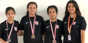 Yahya Yılmaz: Kepez'in güreşçi kızları milli takım kampında