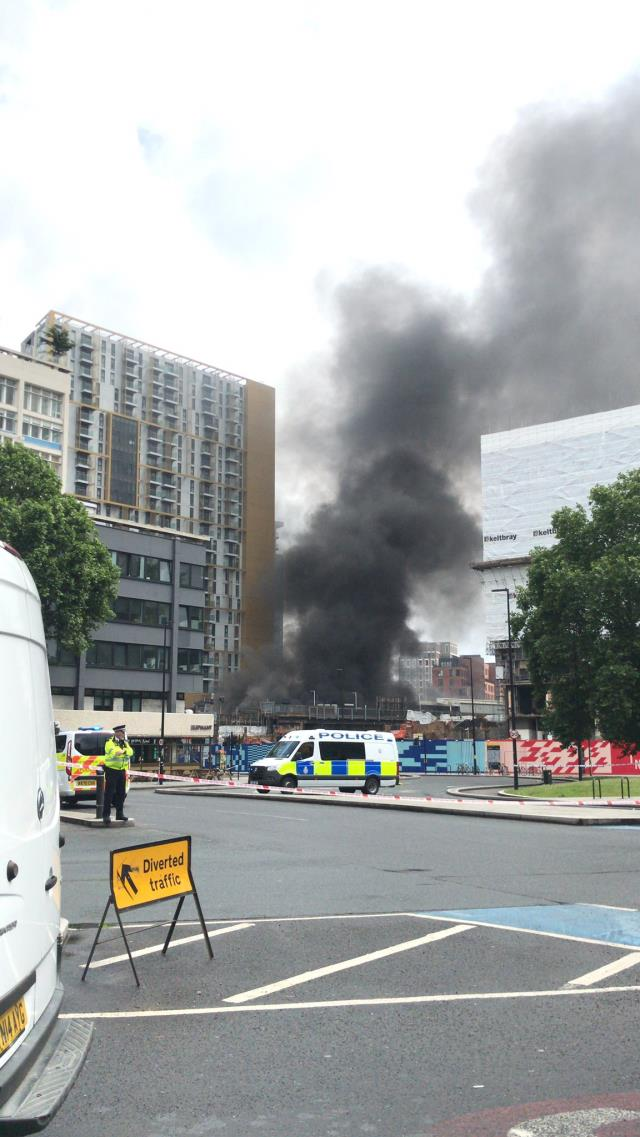 Londra metrosunda patlama! Şehrin üstünü kara dumanlar kapladı
