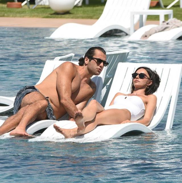 Hande Ataizi, 20 yaş küçük aşkı Dinç Aydoğdu ile tatilde romantik anlar yaşadı