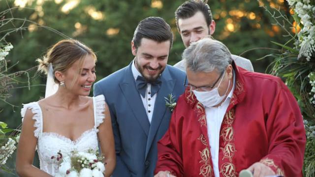 Oyuncu İsmail Ege Şaşmaz ile Hande Ünal evlendi
