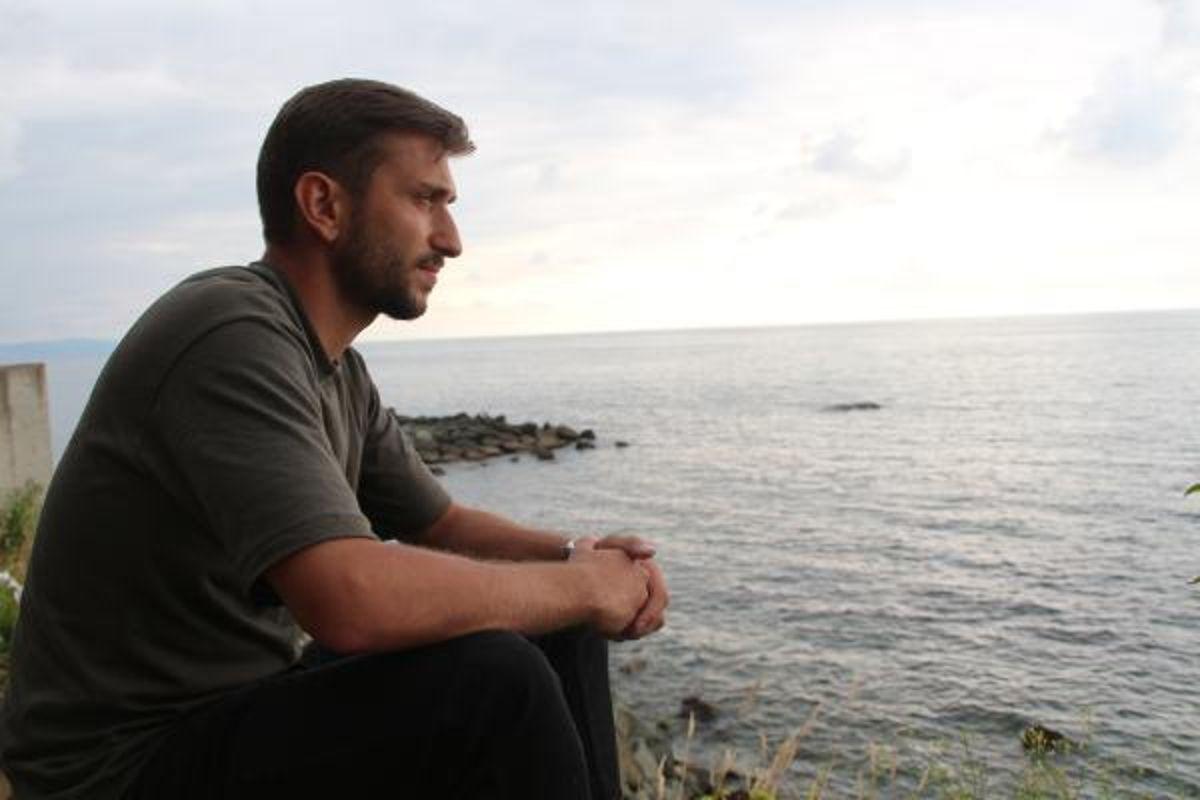 Rize'de, denizde 6 gündür aranan babası için kıyıdan ayrılmıyor