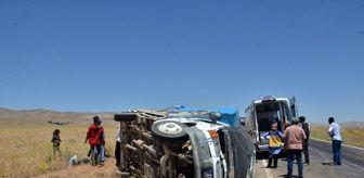 Büyükyapalak: Tarım işçilerini taşıyan kamyonet şarampole devrildi: 8 yaralı