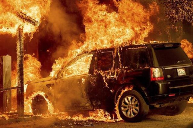 Termometrelerin 56 dereceyi gösterdiği ABD cehennemi yaşıyor! Ormanlar alev alev yanmaya başladı