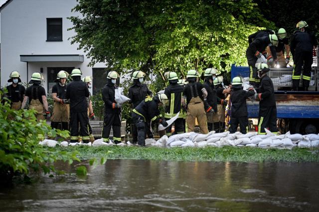 Almanya'da sel felaketi! 6 bina yıkıldı, 20 kişi yaşamını yitirdi