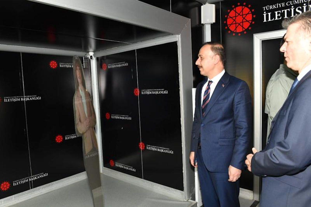 Cumhurbaşkanlığı İletişim Başkanlığı Dijital Tırı Şanlıurfa'da ziyarete açıldı
