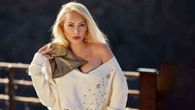 Ünlü şarkıcı Aylin Coşkun koronavirüse yakalandı