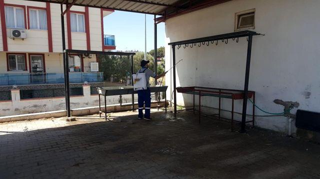 Nazilli'de kurban kesim alanları dezenfekte edildi
