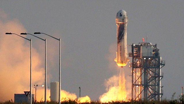 Milyarder işadamı Jeff Bezos bugün uzaya fırlatılacak
