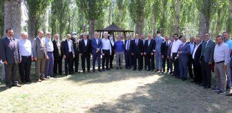 Mustafa Yeneroğlu: ŞEHİR PARKINDA GELENEKSEL BAYRAMLAŞMA