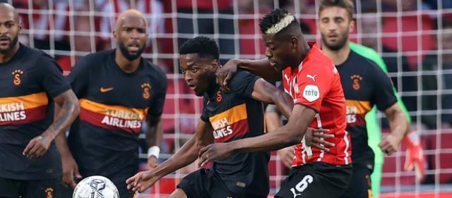 Fatih Terim, ağır PSV mağlubiyetinden sonra 3 futbolcunun biletini kesti